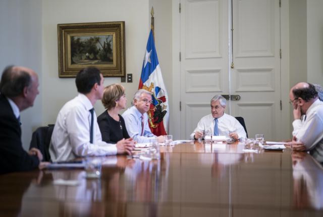Piñera mandata a ministros con medidas para fortalecer la marcha de la economía