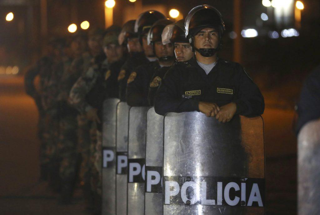 Crisis Venezuela: Perú inicia exigencia de visa y pasaporte a venezolanos
