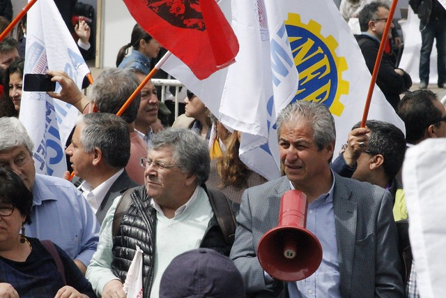 Gobierno y oficialismo apunta a problemas internos dentro del Magisterio y ponen en duda liderazgo de Aguilar