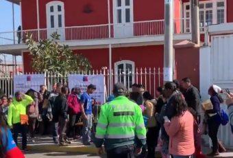 Venezolanos que presionan en Consulado de Chile en Tacna se transforman en problema político: Ahora muere nonato por supuesto estrés de madre por NO ENTRAR a CHILE