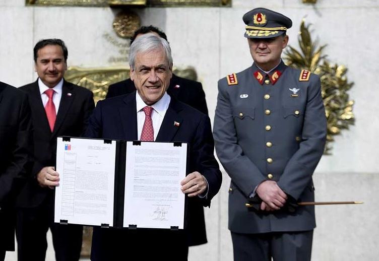 Piñera  firma decreto que militalizará la frontera para combatir el narcotráfico