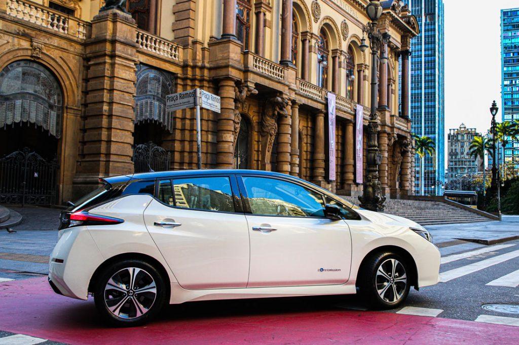 Nissan lanzó en Chile el vehículo 100% eléctrico más vendido del mundo