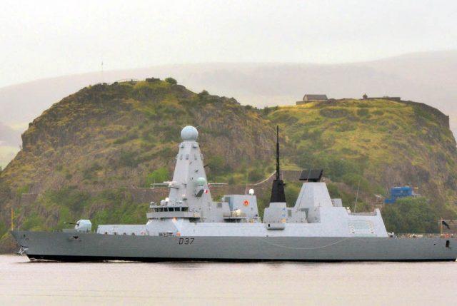 El IMPERIO CONTRAATACA: Inglaterra despacha al HMS Duncan al Estrecho de Ormuz