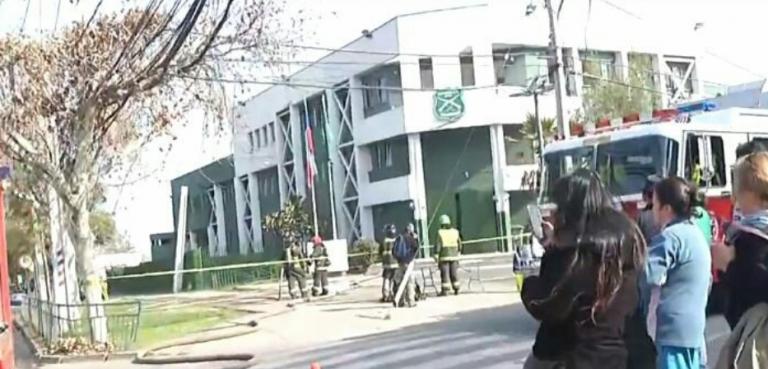 Ataque explosivo al interior de comisaría de Huechuraba deja cinco carabineros heridos, dos de ellos graves