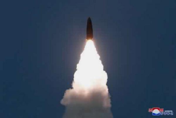 Corea del Norte dispara varios proyectiles desde su costa oriental, según Corea del Sur