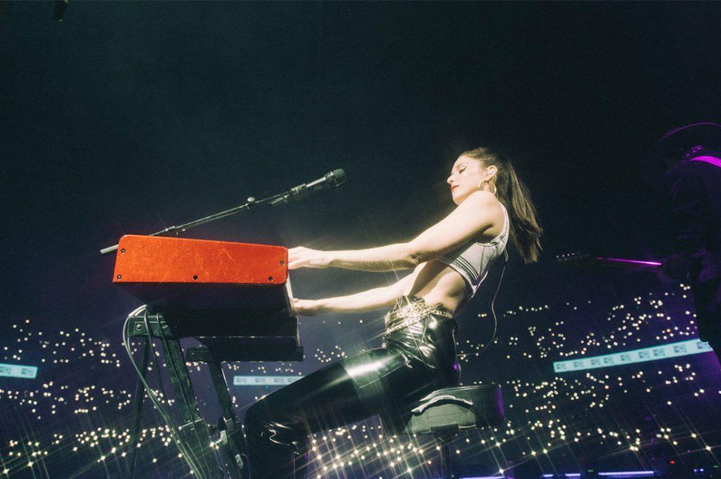 Francisca Valenzuela agota conciertos en Chile y comparte nuevo material