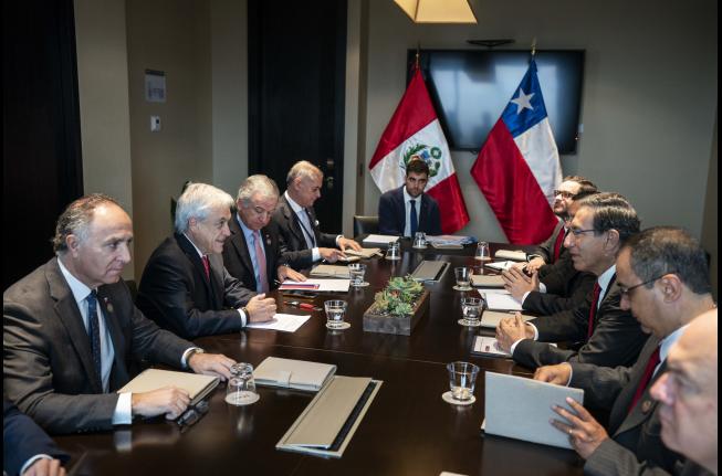 Piñera aborda cooperación en uso de aguas y energía, inversiones y migración en reunión con Vizcarra