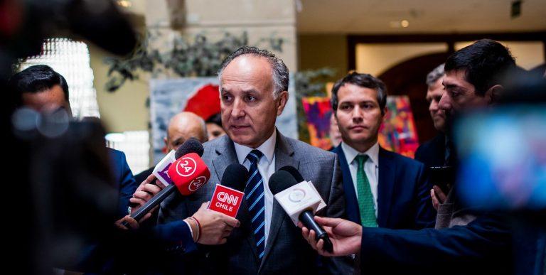 Canciller confirma despegue de avión que trae a exfrentista Mauricio Hernández Norambuena