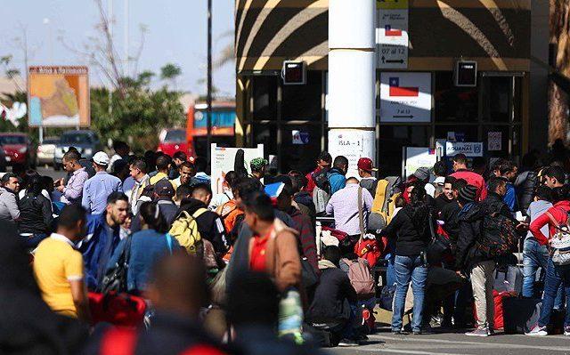 ¿POPULISMO? Cámara de Diputados pide dar ASILO a venezolanos que presionan por ingresar a Chile