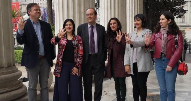 Cadem muestra que el 60% de los chilenos rechaza que Pdte. Piñera vete el proyecto de 40 horas