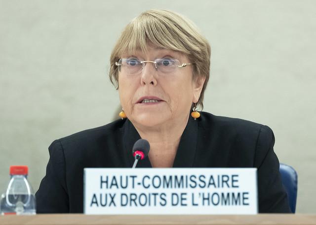 Bachelet critica Carnet COVID porque no se sabe el grado de inmunidad de pacientes