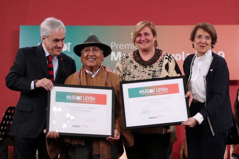 Representantes de Parinacota y Rapa Nui recibieron los premios Margot Loyola 2019