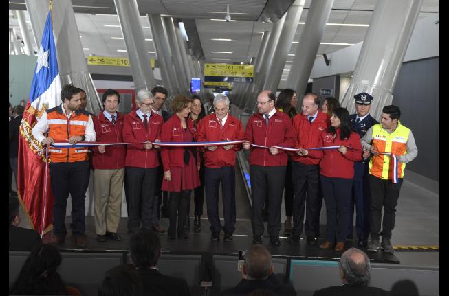Gobierno proyecta más de un millón de usuarios mensuales en Aeropuerto de Santiago para próxima temporada veraniega