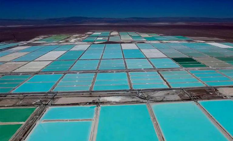 Aunque Bolivia ya tomó la delantera Chile busca urgentemente reactivar industrialización del Litio con Asia o Europa
