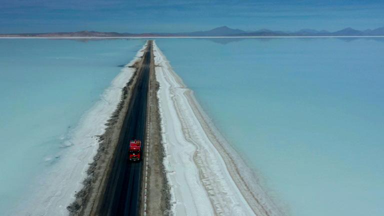 Bolivia: 11 municipios se unen para apoyar la industrialización del litio