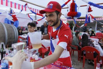 Encuesta revela que chilenos gastarán por sobre los $200.000 estas Fiestas Patrias