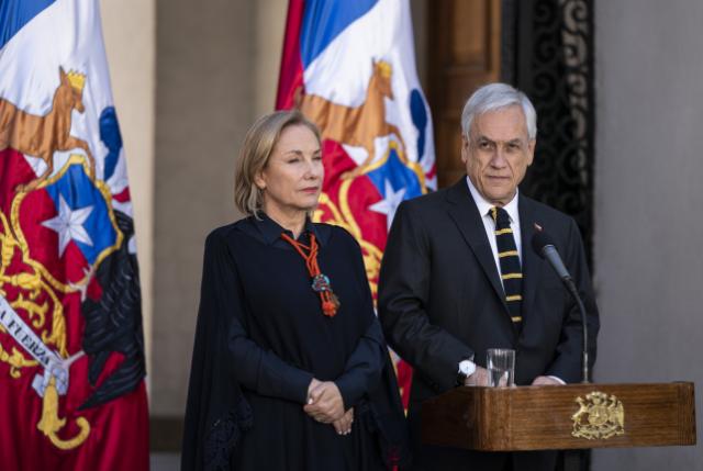 Piñera se ve forzado a cambiar de diseño y habla este 11 de septiembre