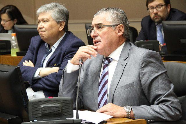Caso Tragamonedas: Nadie mete las manos al fuego por senador Pizarro