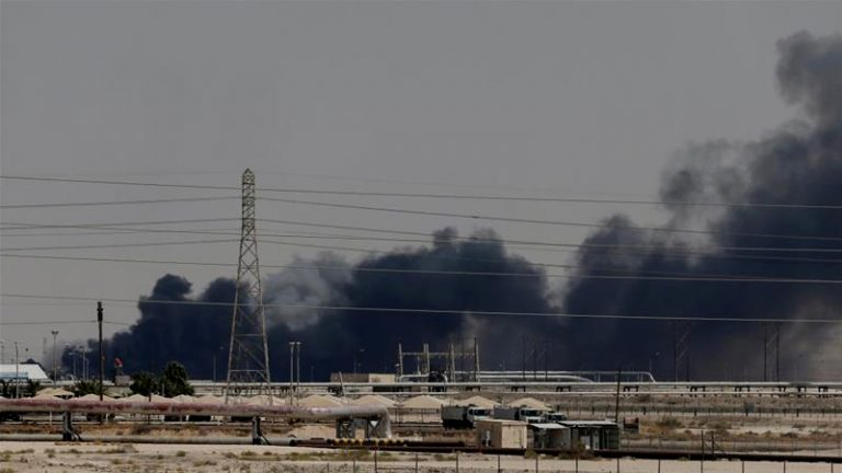 Esperable: Tras ataque a refinerías saudíes petróleo  sube 20%