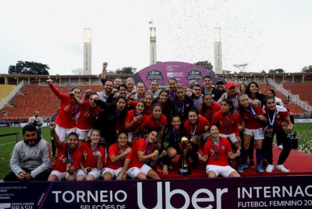 """¡Histórico! La Roja Femenina vence por primera vez a Brasil y se queda con la """"Copa Uber"""""""
