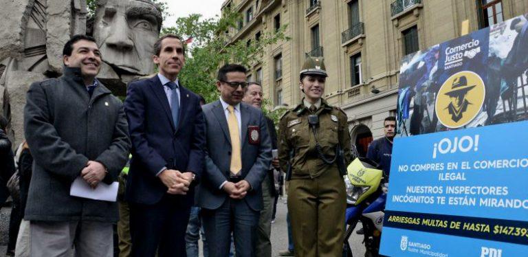 Santiago Orwelliano: Intimidatoria campaña ¡Ojo! Te Están Mirando para evitar comercio callejero
