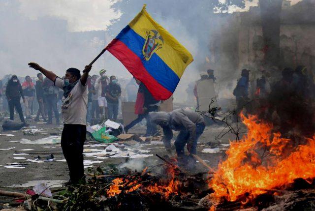 Se agrava crisis en Ecuador: Presidente saca a las FFAA a la calle para contener las protestas