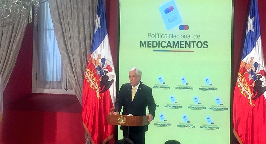 """""""Ministro, I'll be watching you"""": El público llamado de Piñera a Mañalich en presentación de la Política Nacional de Medicamentos"""