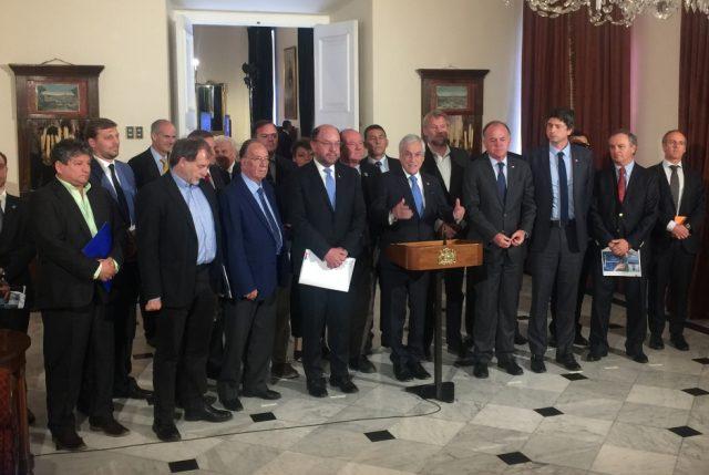 Mucha mesa, ¿poca acción? Piñera inaugura ahora comité de trabajo por escasez hídrica