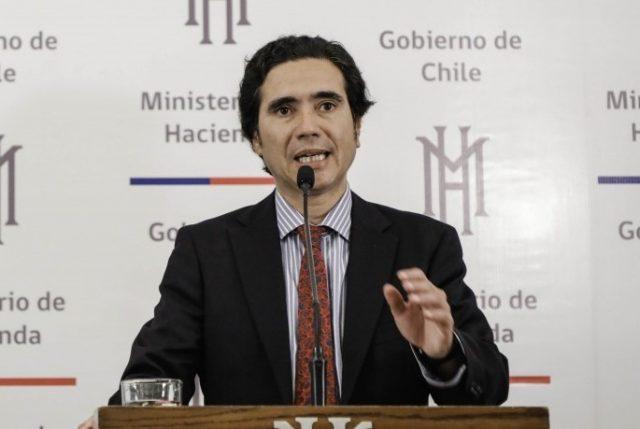 Hacienda y SII anuncian detalles de plan tributario para apoyar a las pymes