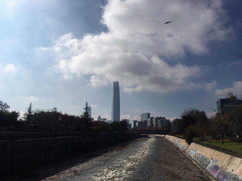 Sequía golpea a la Región Metropolitana: Lo Barnechea, Las Condes, Vitacura y Providencia con escasez hídrica