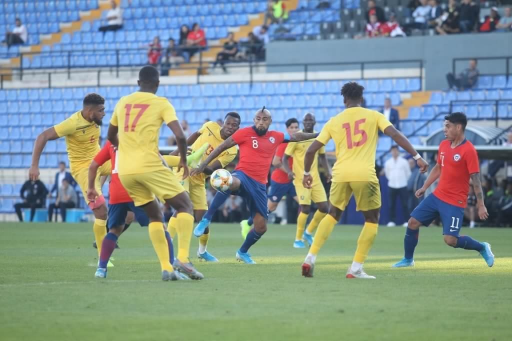 Rueda cierra pobre campaña de La Roja con pírrica victoria sobre Guinea