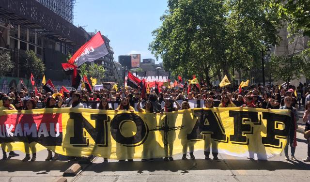 Se les mueve el piso a las AFPs: Un 85% de los chilenos desea poder sacar sus ahorros de los fondos
