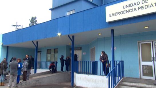 """Muere bebé de nueve meses que recibió una """"bala loca"""" en La Pintana mientras dormía con su madre"""