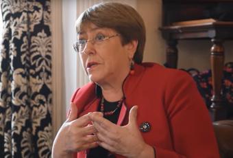 """Bachelet sobre actuar de Carabineros en manifestaciones: """"Mi juicio previo es que los protocolos no están siendo seguidos"""""""