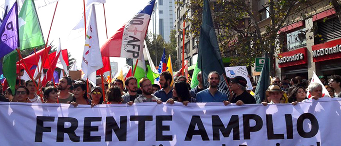 Frente Amplio se cae a pedazos tras acuerdo político constituyente