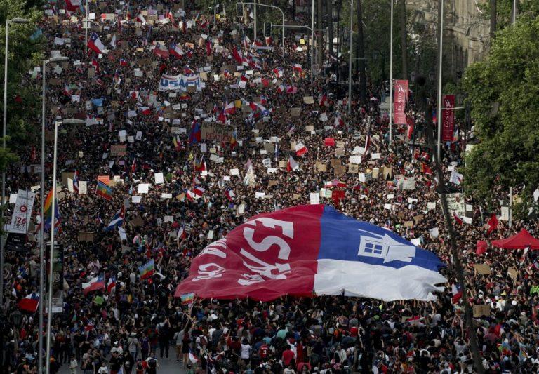 Prensa mundial destaca: Oposición y gobierno de Chile logran acuerdo para convocar plebiscito en abril