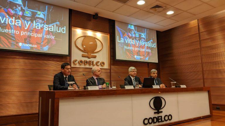 Excedentes de Codelco se desploman más del 50% por menor precio del cobre