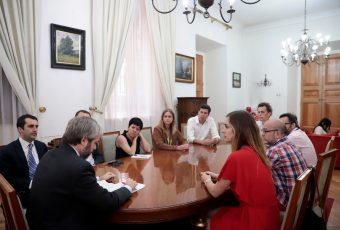 Ministro del Interior inicia reuniones con diversas agrupaciones en torno a proceso constitucional