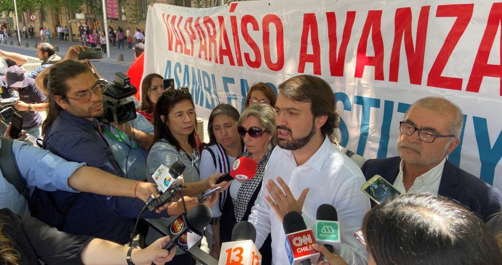 Llegó Sharp a La Moneda y desde Valparaíso la vocera de gobierno le dio un buen repaso