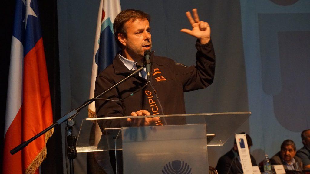 """Alcalde Codina explica la consulta nacional de municipios y pide que """"La Moneda acepte una reunión prontamente para validar este proceso"""""""