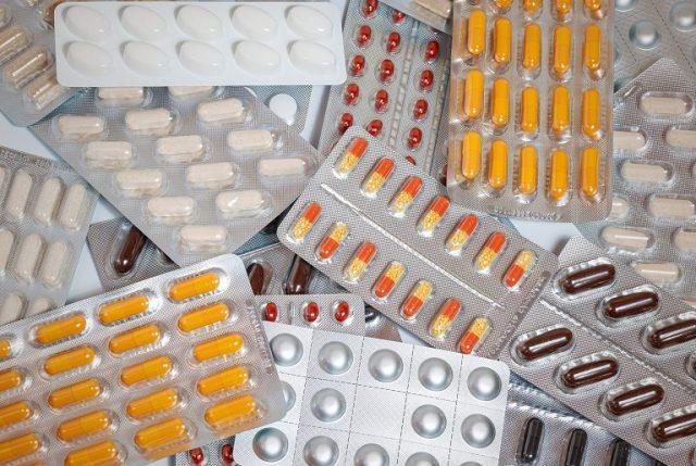 FNE propone reformar mercado de remedios y precios bajarían entre 20% y 40%
