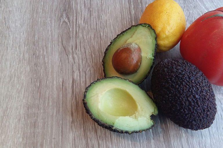 Comer una palta al día ayuda a reducir el colesterol malo