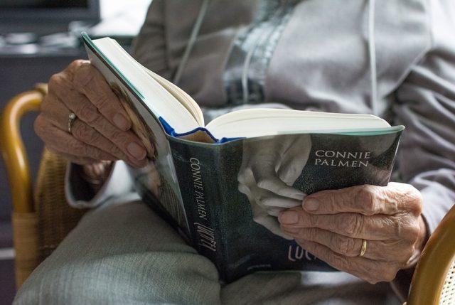 Cómo ayudar a los adultos mayores frente a la continua Crisis Social del país