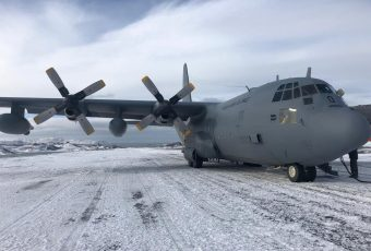 Ejército confirma que 3 oficiales a bordo del C-130 iban a la Antártica a relevar personal