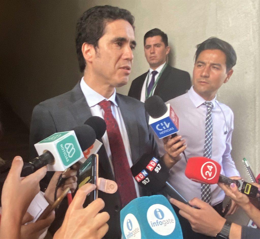 Ministro Briones reconoce que no se podrán salvar todas las empresas ante crisis por coronavirus