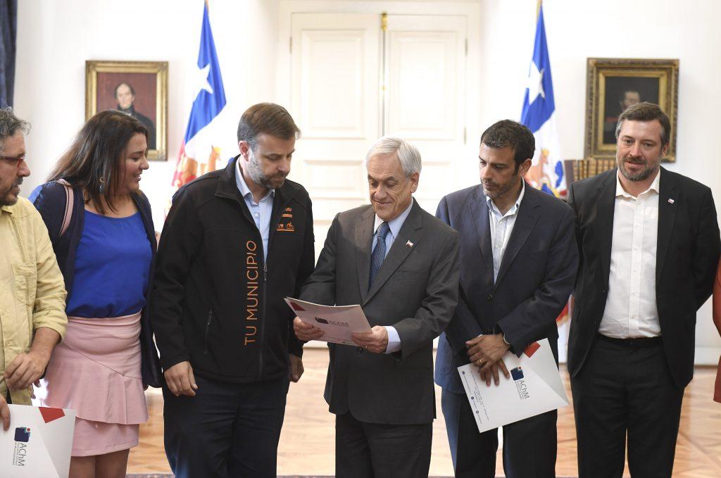 Alcaldes de la AChM se reunieron con Presidente Piñera para analizar resultados de exitosa consulta ciudadana