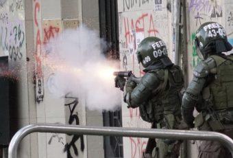 General Rozas anuncia sanciones contra Carabineros que se han excedido en manifestaciones