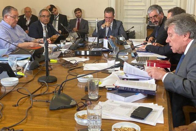 Gobierno cambia enfoque para salvar proyecto de protección de infraestructura crítica por las FF.AA.