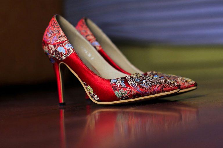Cómo debes cuidar esos zapatos llenos de brillo que tanto amas