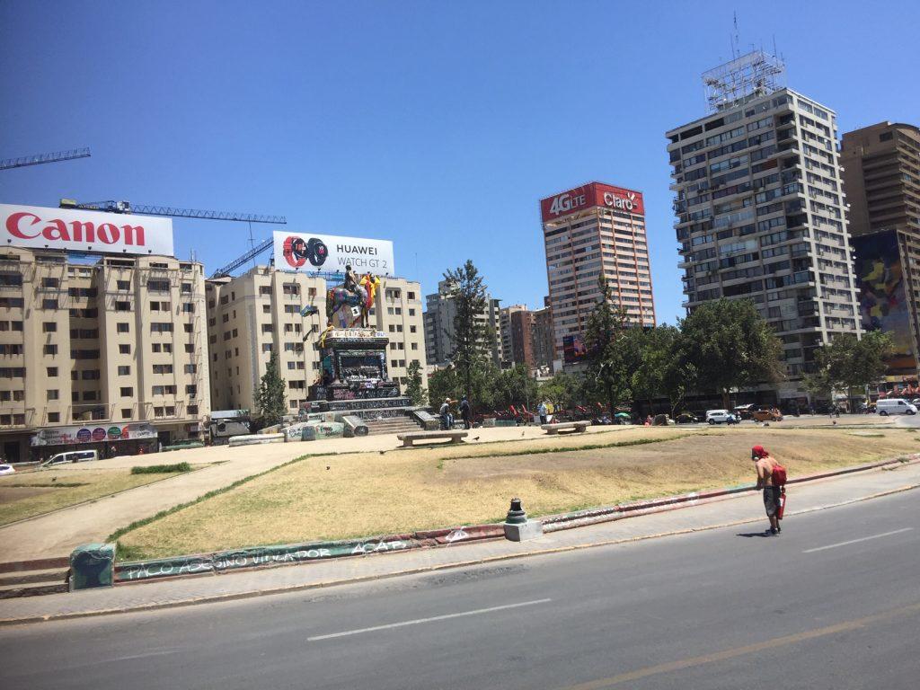 Providencia anuncia fondos de apoyo a vecinos y comercio local producto de crisis social